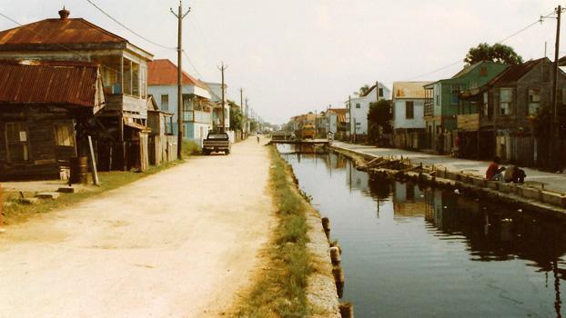Boat Chartering in Belize