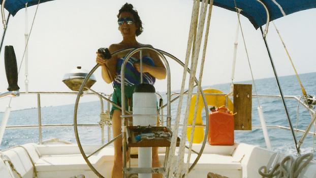 boat-chartering_Belize_sailing