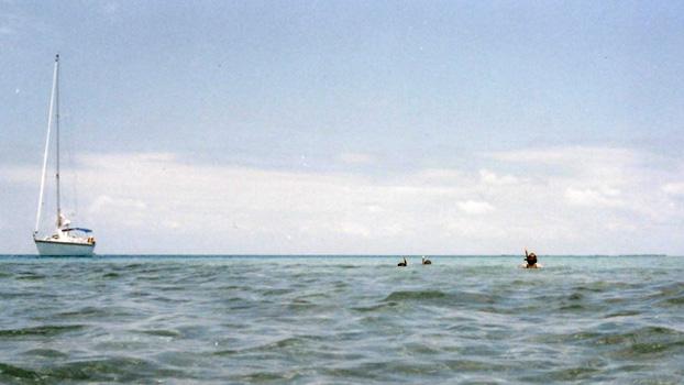boat-chartering_Belize_snorkling