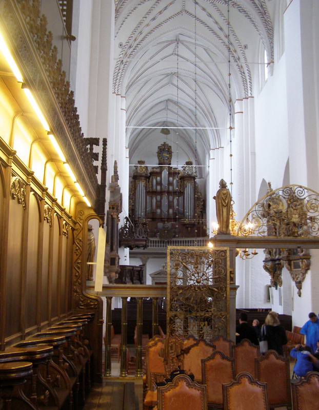 baltic-cruise_aarhus_cathedral1_day2