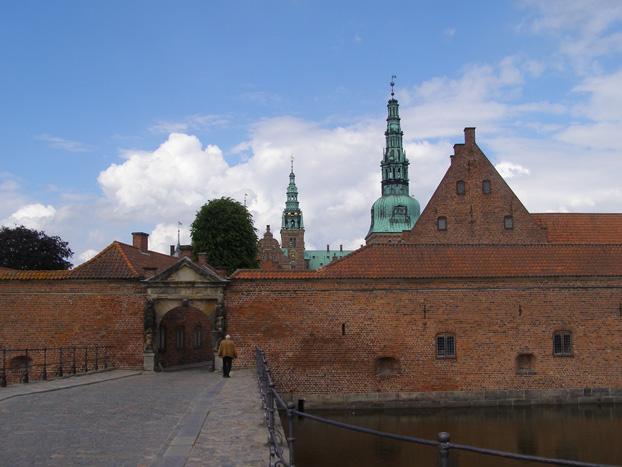 Frederiksborg Slot Entrance