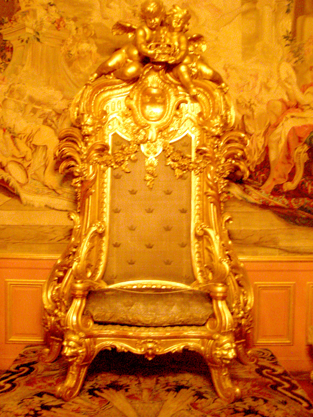 Throne of the Monarch