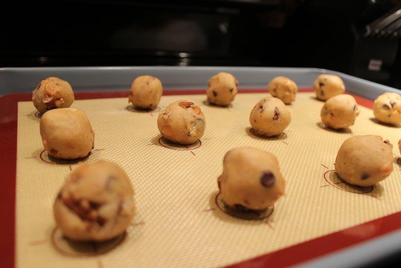 freezing-cookie-dough-balls-4